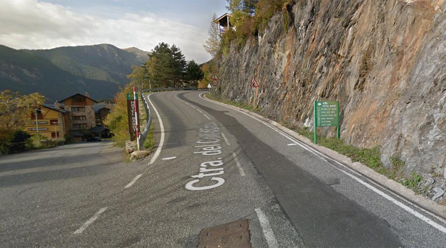 Carretera del Coll d'Ordino a la cruïlla amb l'entrada a l'Hotel Babot