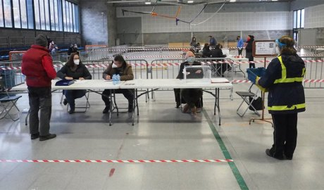 La Sala Polivalent de la zona esportiva de la Seu d'Urgell com a col·legi electoral. Foto: RàdioSeu