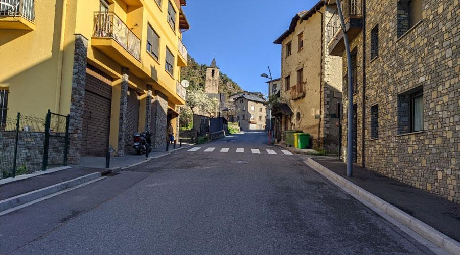 entrada al poble de Sispony