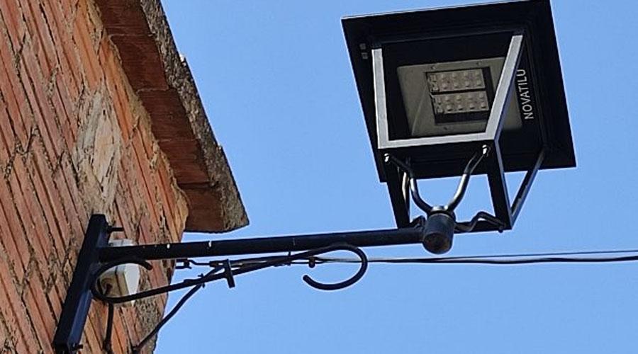 Una lluminària LED