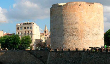 muralles i la torre de l'Esperó, l'Algue