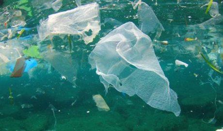 Residus plàstics al mar