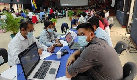 Un equip participant a la hackató iberoamericana
