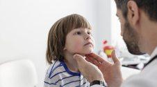 Infant a la consulta del metge