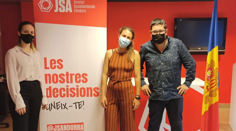 Emma Juan, Maria Nazzaro i Tomàs González. Foto: PS