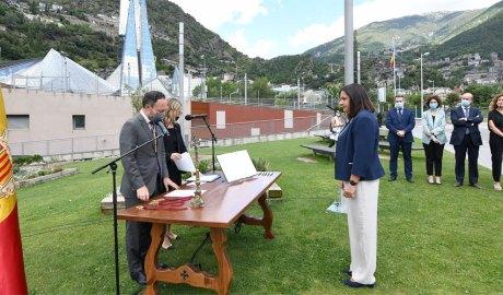 Trini Marín jura com a ministra davant Xavier Espot