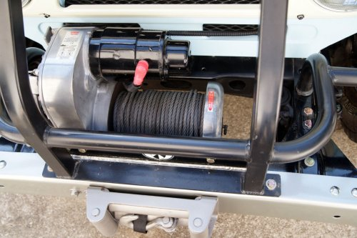 small resolution of the warn 5687 is a great winch a feature that is nice and went away with the 8274 is free spooling rather than power in and power out