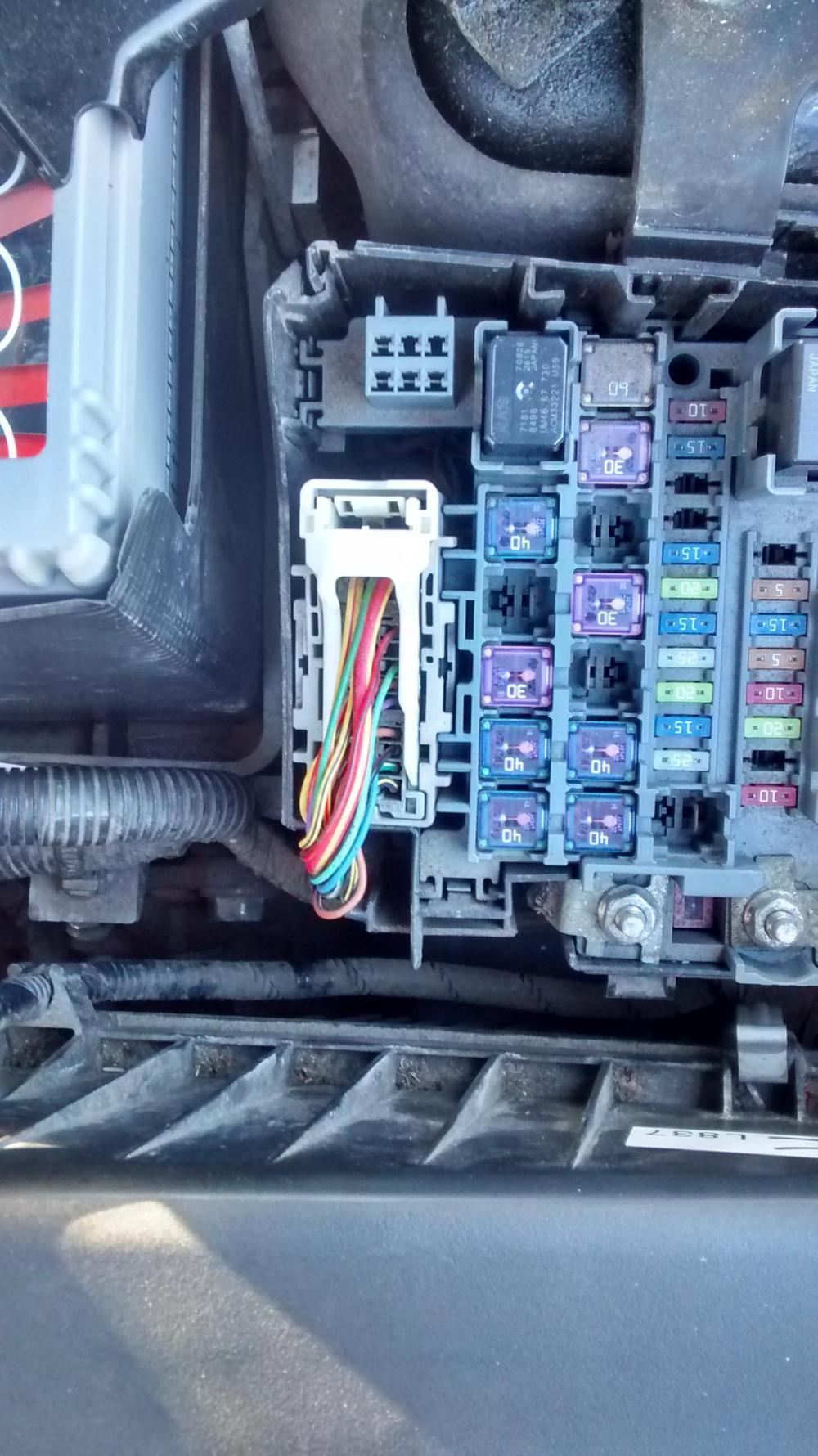 medium resolution of car alarm fuse box