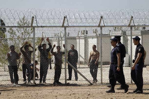 Mauvais traitements, renvois, détentions, chasses à l'homme, les dirigeants européens peuvent-ils encore se regarder dans la glace?