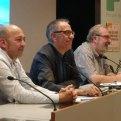 Jordi Naudó (presentador del conferenciant), Jaume Funes (conferenciant) i Joan Brugués i Freixanet (presentador i moderador de la conferència)