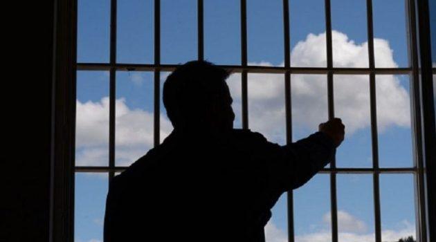 La città entra in carcere. L'Arcivescovo incontra i detenuti.