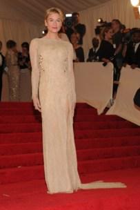 Renée Zellweger, in Carolina Herrera, with Neil Lane jewels.