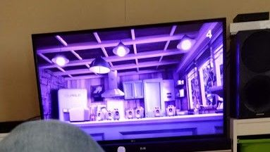 blanc lg ecran bleu violet modele