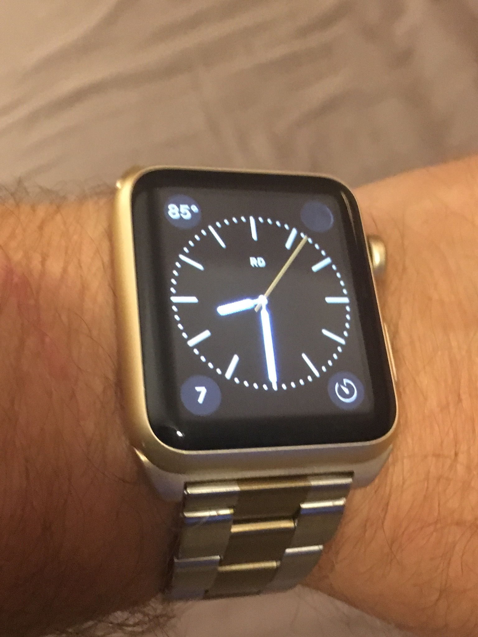 Any men with Apple Watch in gold? | MacRumors Forums