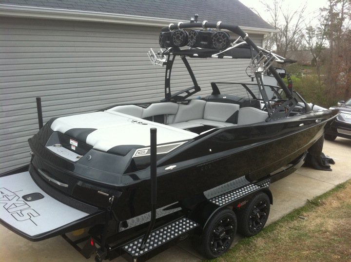 Wakeboarder 2011 Axis A22 Vandal Edition