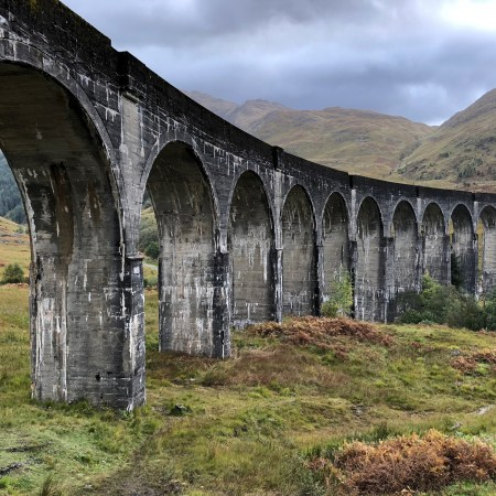 An image of the Scottish train bridge featured in Harry Potter