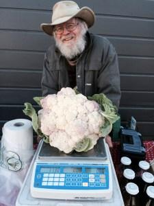 lou-preston-at-cloverdale-farmers-market