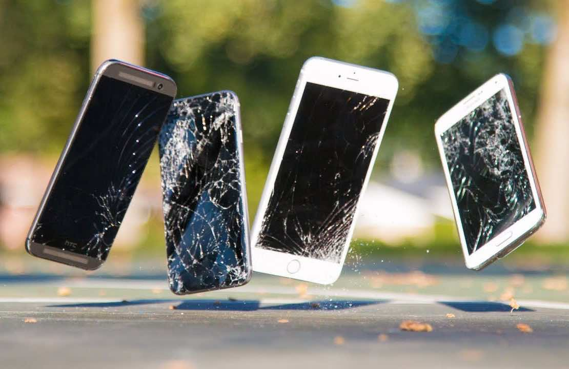 Money Falling Wallpaper Shatterproof Display Vs Gorilla Glass Pros And Cons You