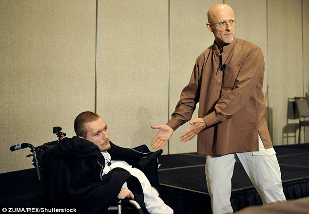 Dr Sergio with Spiridonov for the first human head transplant