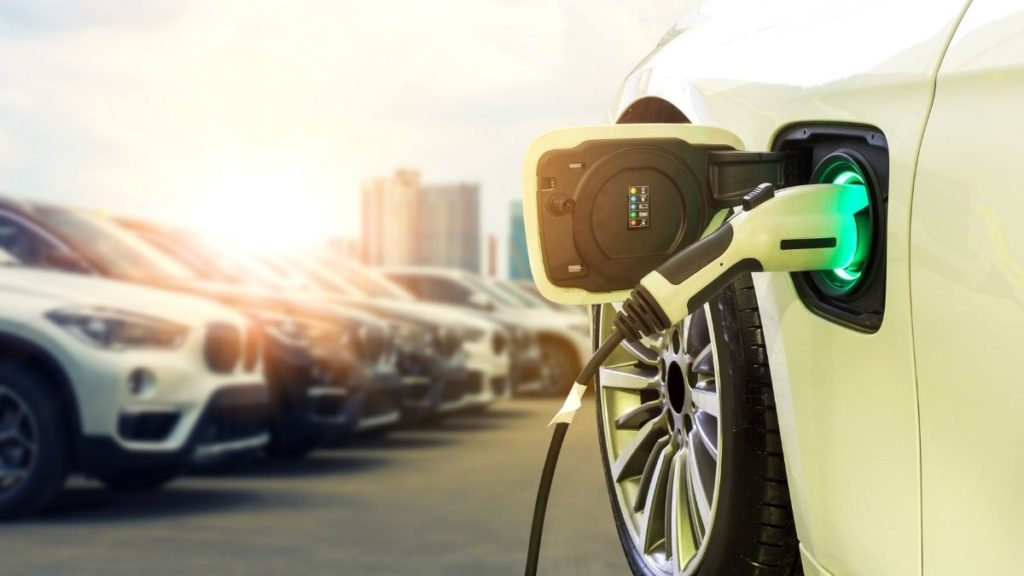 pros and cons of electric vehicles (EVs)