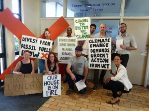 Fossil Free UCT supporters protesting in support of divestment at the December 2019 meeting of the UCT Convocation