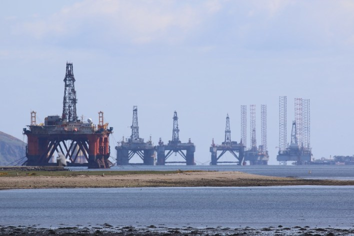 oil-rig-3789758_960_720