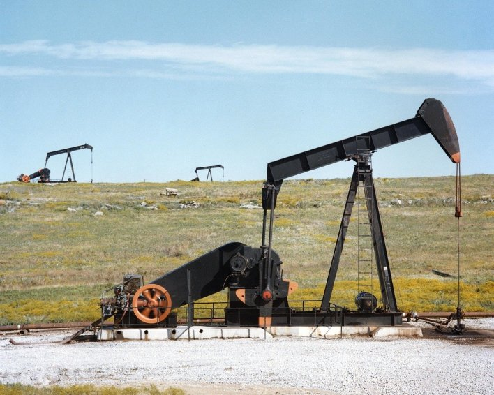 oil-pump-jacks-1425456_1280.jpg