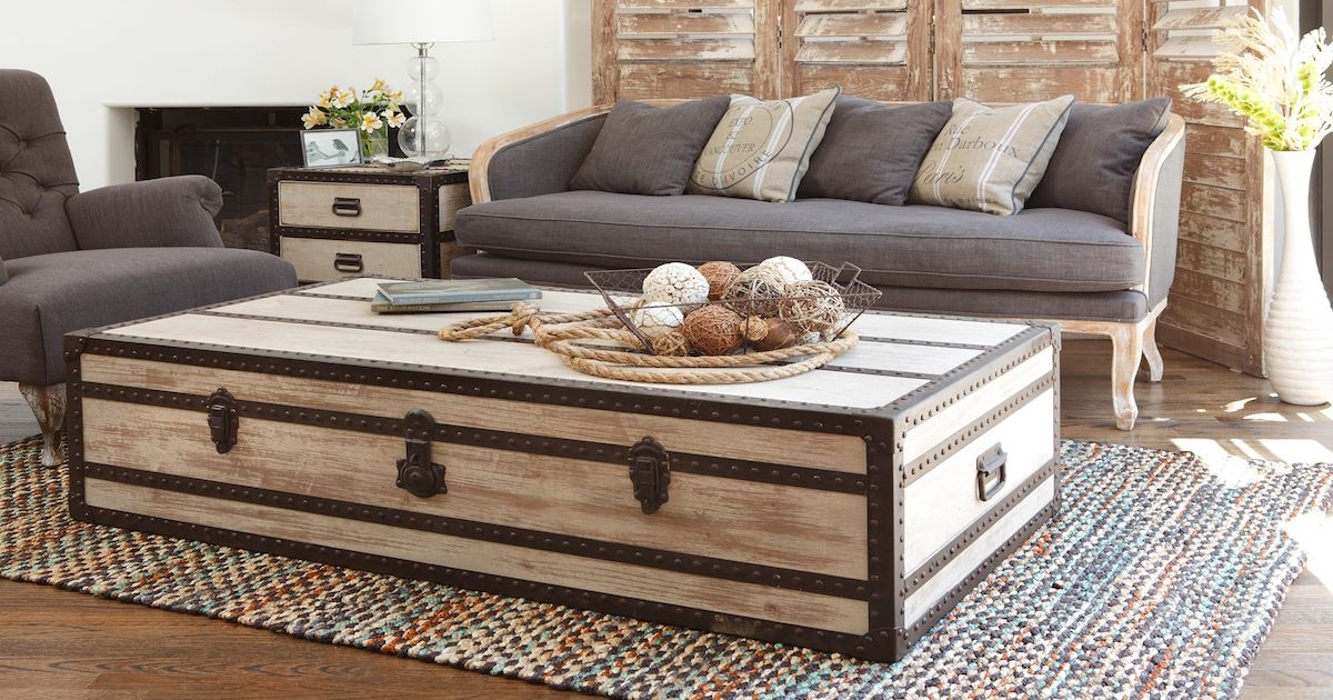 distressed trunk coffee table ideas
