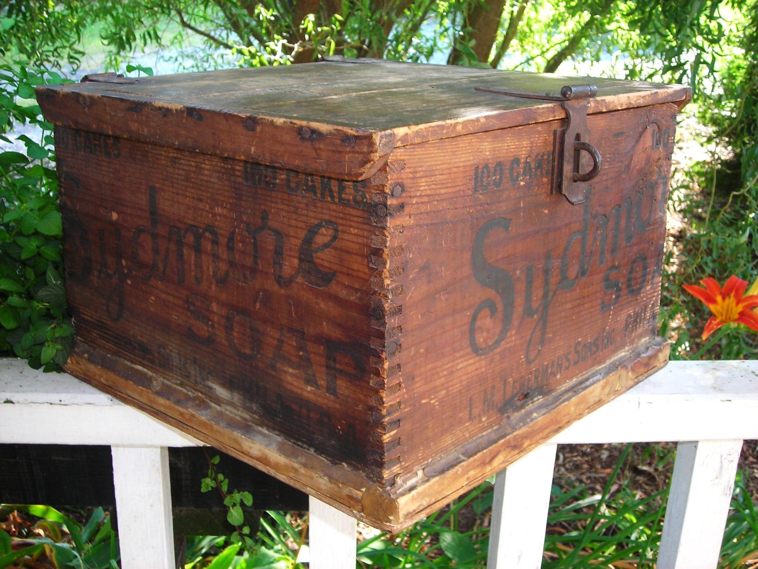 wood storage trunk coffee table ideas