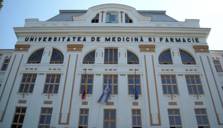Tiltakozásból visszaadott díszdoktori a marosvásárhelyi orvosin