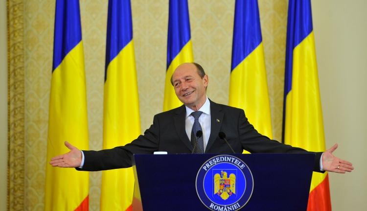 Băsescu: jogállamot kap tőlem Johannis