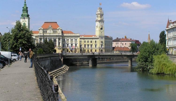 Viselheti Váradon Szent László nevét híd. De kevés benne a köszönet