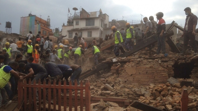 Hatalmas földrengés Nepálban – legalább 1500 halott