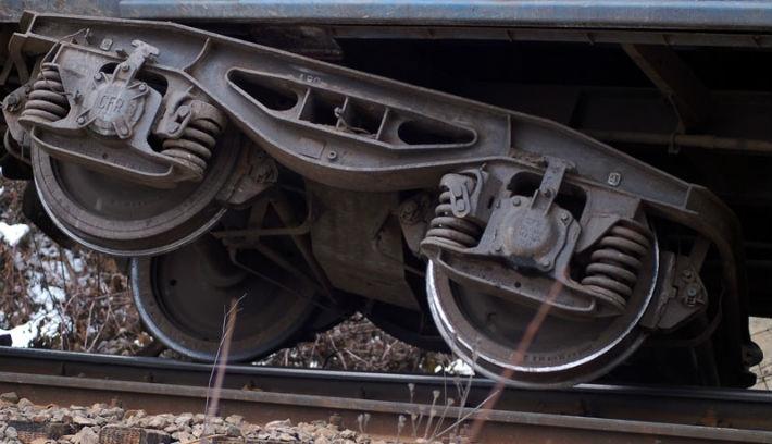 Leszökött a sínekről a Brassó–Budapest közötti vonatjárat Arad megyében