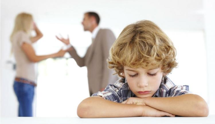 Érzelmi agresszió lett a szülői elidegenítés