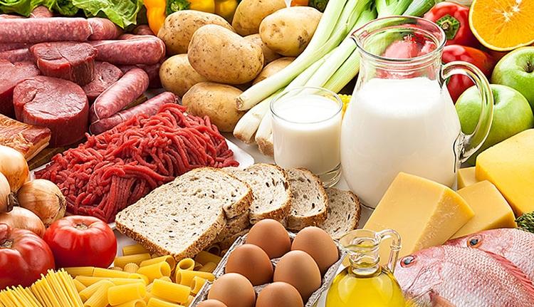 Az élelmiszerek felét helyi termelőtől kell beszerezniük a hipermarketeknek