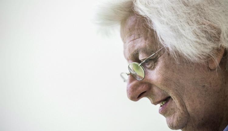 Elhunyt Esterházy Péter Kossuth-díjas író