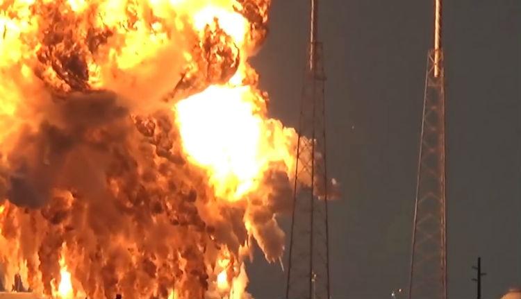 Így robban szét egy űrrakéta (VIDEÓ)