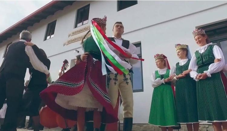 Ilyen egy folk-flashmob Magyarlapádon (VIDEÓ)