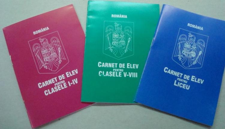 Márpedig magyar iskolában magyarul írunk az ellenőrzőbe!