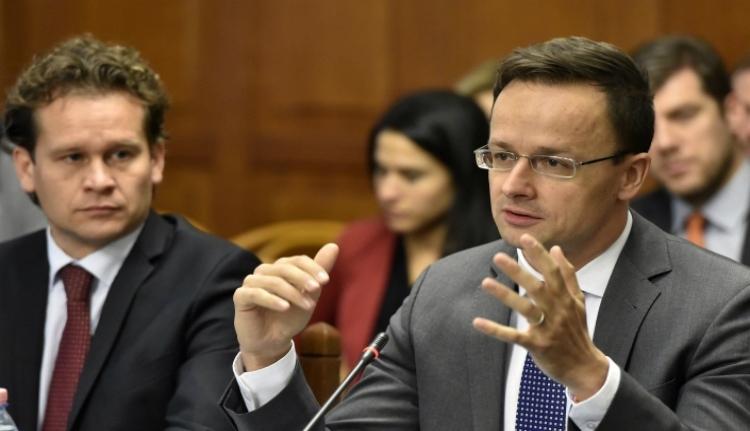 Eltiltották a magyar diplomatákat a románok ünnepségeiről