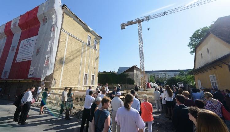 Új épületet kap a kolozsvári Apáczai líceum