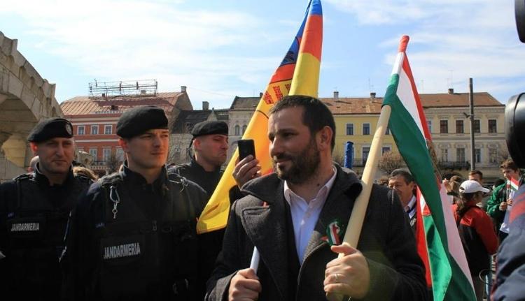 Jogerősen pert nyert zászlóügyben az EMNP alelnöke