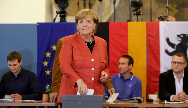 Győzött Merkel, a bevándorlásellenes AfD a harmadik erő