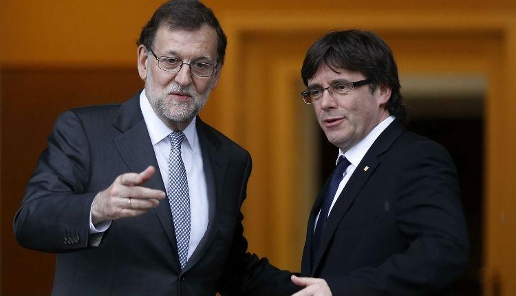 Puigdemont hazatérne, és semleges terepre hívja tárgyalni a spanyol kormányfőt