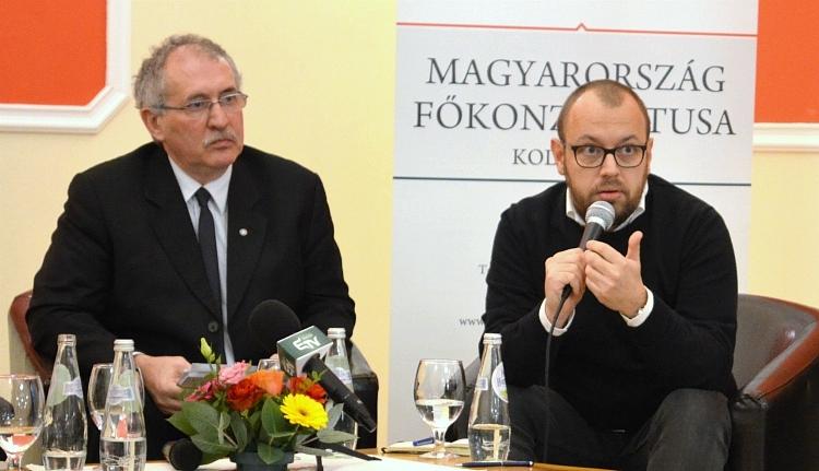 Az erdélyi magyarság most nem híd, hanem csatatér