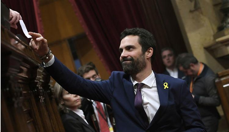 Függetlenségpárti elnököt választott a katalán parlament