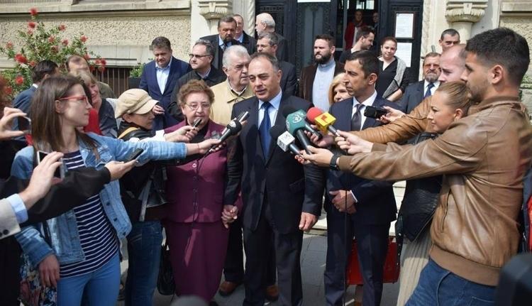 Dorin Florea nem örül, hogy a parlament elé került a katolikus iskola ügye