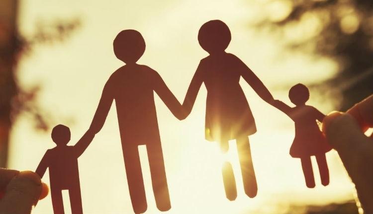 Többé nem bízzák a civilekre: gigatüntetést szervez a PSD a hagyományos családért
