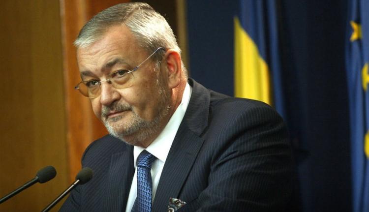 Kenőpénz elfogadásával gyanúsítja Sebastian Vlădescu volt pénzügyminisztert a korrupcióellenes ügyészség